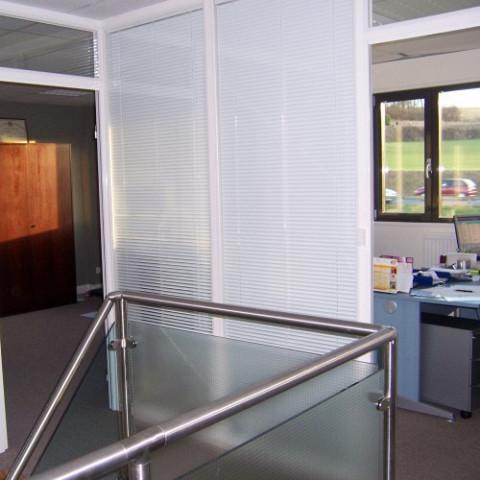 vitrage isolant avec insertion de store v nitien sur mesure villeneuve d 39 ascq pr s de lille. Black Bedroom Furniture Sets. Home Design Ideas